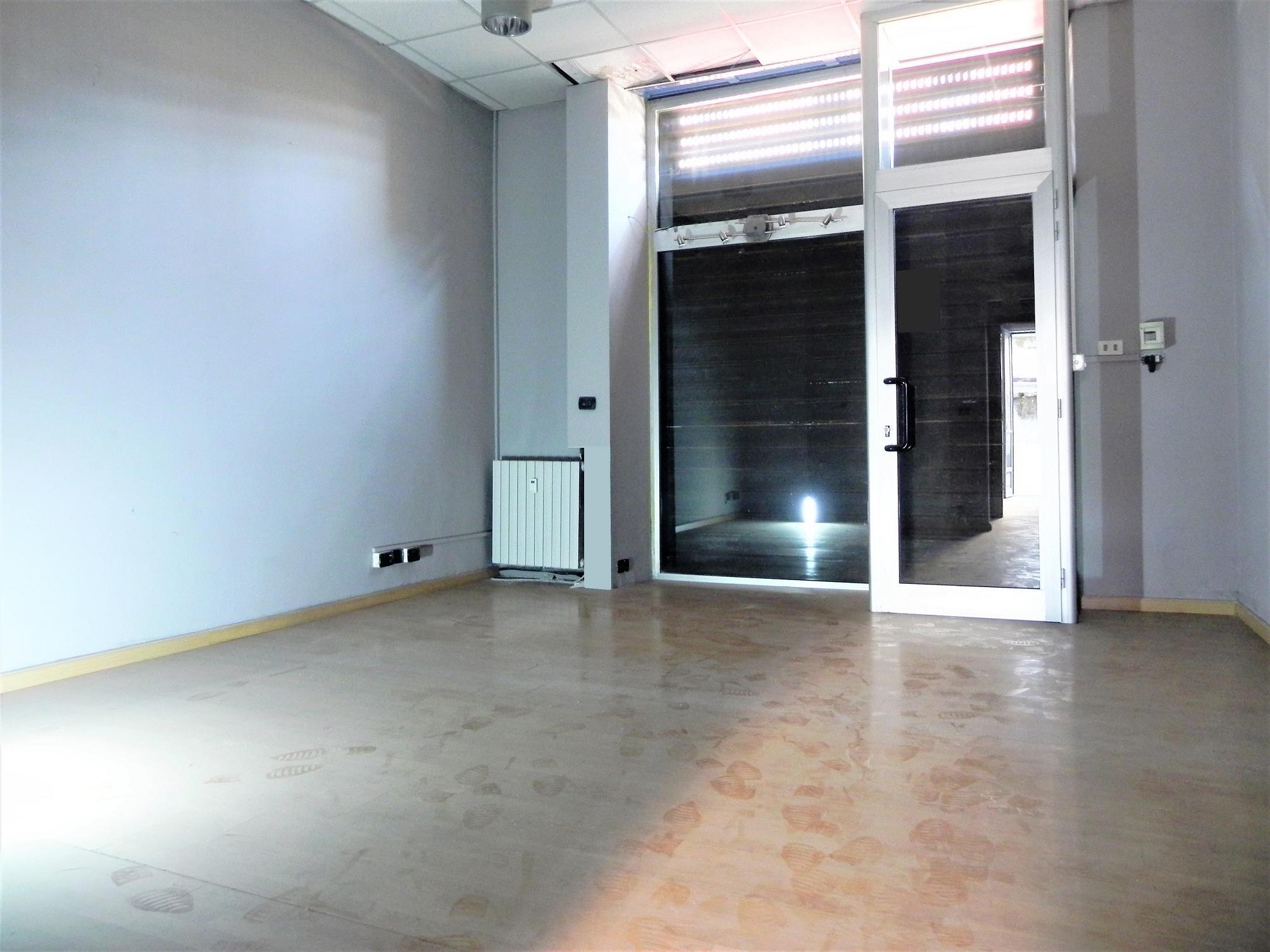 AURORA – Negozio / ufficio mq. 55